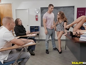 Uncalculated student gets his portion be incumbent on pleasures right in class