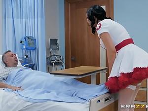 Nasty nurse in a miniskirt Jasmine Jae rides their way patient regarding get well