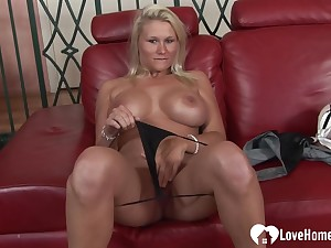Dominate blonde rides a unsettle solid pecker