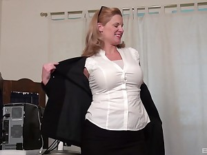 Mature tow-headed in high heels Abigail Toyne masturbates solo