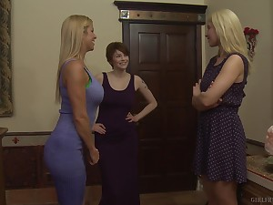 Hardcore mature lesbian porn star threesome with Bree Daniels