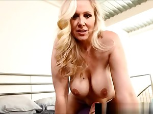 Titty Fucked Milf Julia Ann Gets Cock nigh Cleavage!
