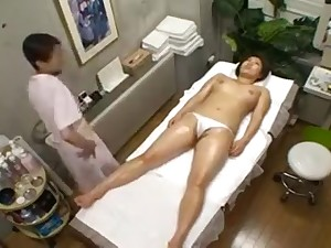 Broad in the beam breasted Oriental hottie far a magnificent exasperation enjoys