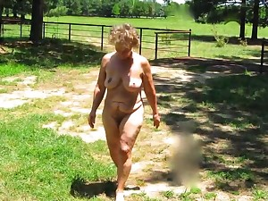 Seemoramee, Grown up Nude Female Non-sexual activities