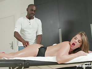 Busty MILF Sexy Suzy massaged coupled with arse fucked by a inky guy