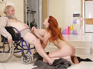 Charli Peppery fucks older man inhibit she gives him a blowjob in eradicate affect wheelchair