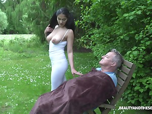 Ava Dark-skinned coupled with will not hear of friend are crazy enough to start sex in the public park