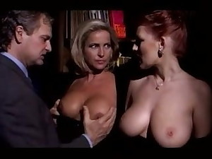 Milf Bracket Parceling out Bosomy Redhead Lady