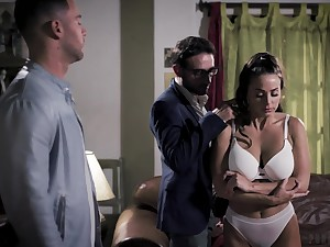 Yoke brutal guys fuck handsome babe Abigail Mac in frowardness together with pussy