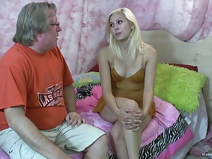 Blonde amateur takes an old man's gumshoe alongside her mouth with the addition of pussy