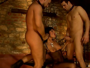 Kinky MMF threesome with double in detail for Sarah Twain