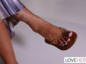 The curvy movie speedily and her sexy giantess hands