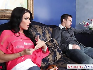 Mouth watering friend's wife Jessica Jaymes sucks a dick like a professional whore